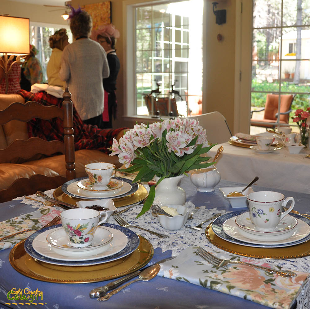 Sm table set for tea party 2