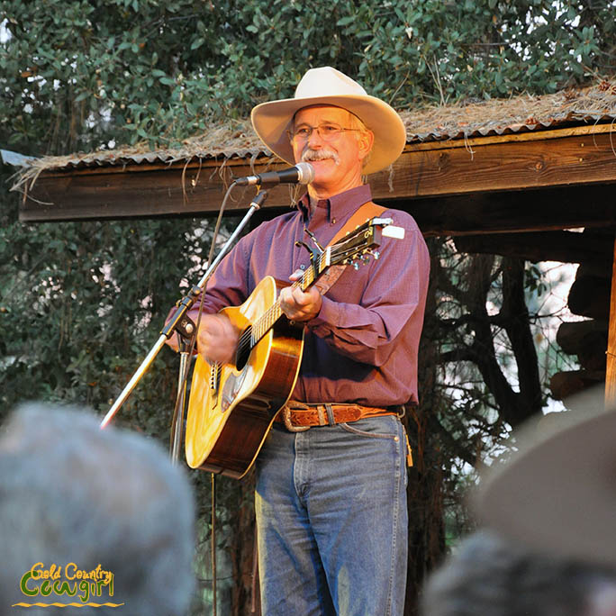Dave Stamey at Scofield's Cowboy Campfire