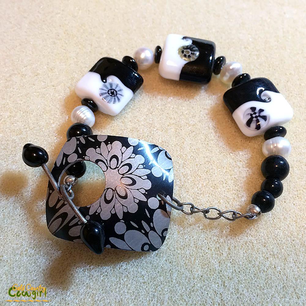 july-2012-bead-trends-maazine