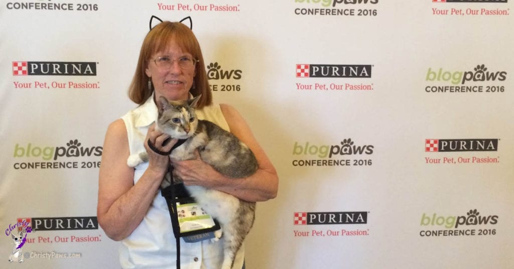 Ava and Christy Paws at BlogPaws pet blogging conference in Phoenix 2016 - women traveling alone