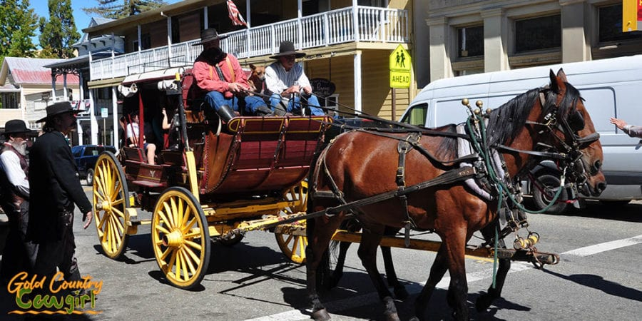 horse-drawn stagecoach