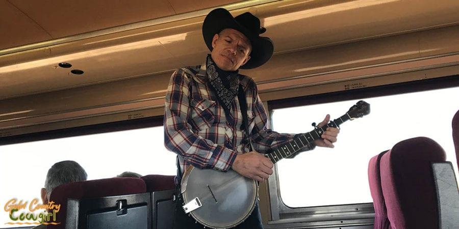 Banjo player on Grand Canyon Railway