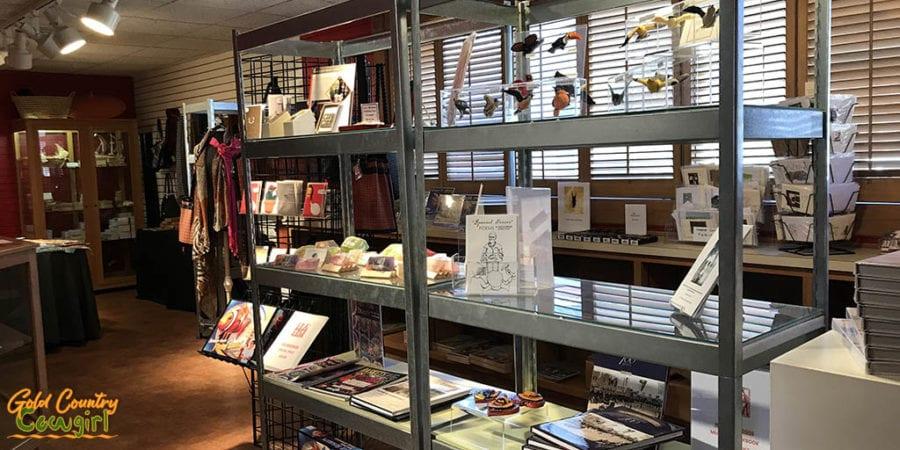Harlingen Arts & Heritage Museum gfit shop