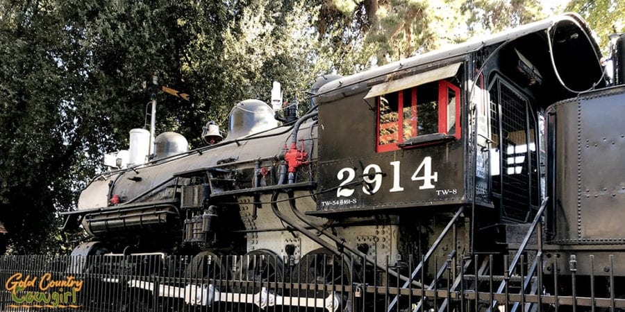 Southern Pacific RR Engine 2914 at Kern Co Museum - an unexpected add to my California to Texas RV itinerary