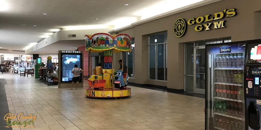 Gold's Gym in Valle Vista Mall