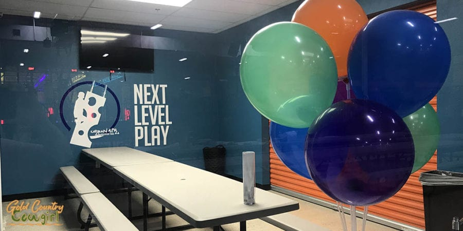 party room with balloons at Urba Air