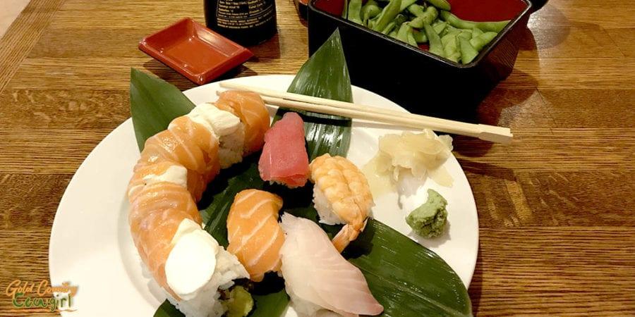 Hime Sushi Bento Sushi Box - 4 pieces nigiri and a Philadelphia roll