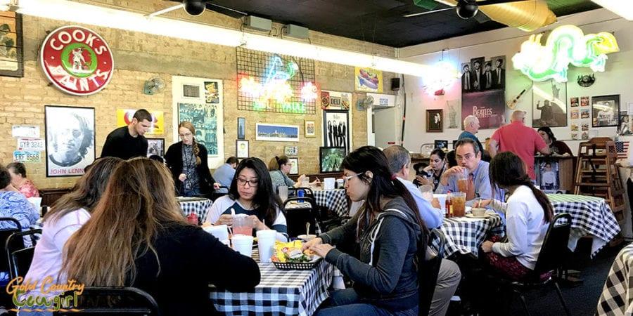 New York Deli dining room