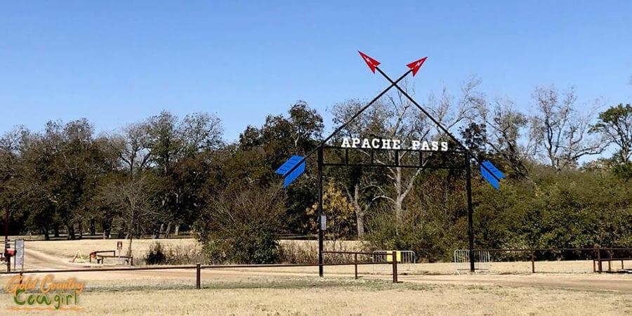 Entrance to Apache Pass