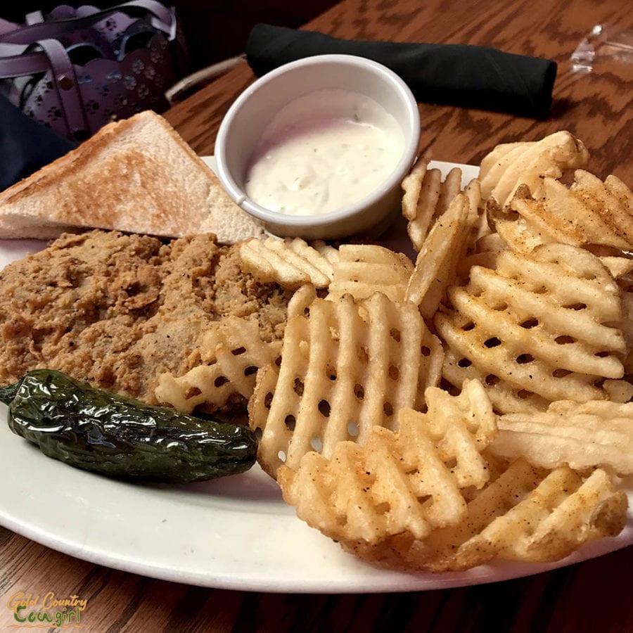 Cafe Alley Ardmore Oklahoma chicken fried steak