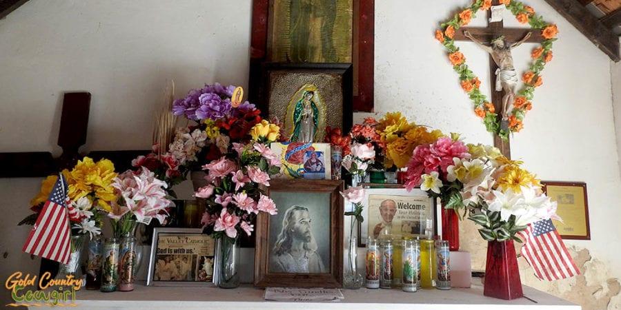 La Lomita Chapel alter